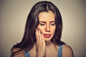 Swelling, pain, bad breath--these symptoms may mean you need root canal treatment. South Lincoln dentists at Williamsburg Dental perform it in just 2 visits.