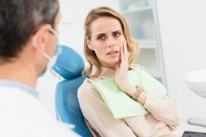 woman jaw pain